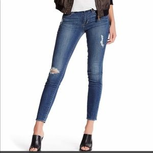 NWT ARTICLES OF SOCIETY DISTRESSED SKINNY JEANS